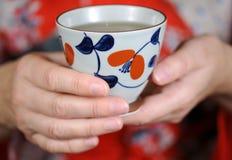 ζωηρόχρωμο τσάι φλυτζανιών Στοκ εικόνα με δικαίωμα ελεύθερης χρήσης
