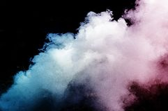 Ζωηρόχρωμο υπόβαθρο καπνού σε ένα μαύρο υπόβαθρο στοκ φωτογραφία με δικαίωμα ελεύθερης χρήσης