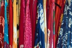 Ζωηρόχρωμο υπόβαθρο φορεμάτων Στοκ εικόνες με δικαίωμα ελεύθερης χρήσης