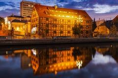 Ζωηρόχρωμο architecutre Bydgoszcz από Brda River Στοκ Φωτογραφίες
