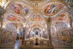 Ζωηρόχρωμο Crypt στο Duomo του Σαλέρνο, Campania, Ιταλία Στοκ φωτογραφίες με δικαίωμα ελεύθερης χρήσης
