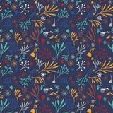Ζωηρόχρωμο hand-drawn άνευ ραφής floral σχέδιο doodle σε μπλε ναυτικό Στοκ εικόνες με δικαίωμα ελεύθερης χρήσης