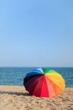 ζωηρόχρωμο parasol παραλιών Στοκ φωτογραφίες με δικαίωμα ελεύθερης χρήσης