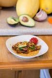 Ζωηρόχρωμο taco κοτόπουλου και αβοκάντο Στοκ Φωτογραφίες