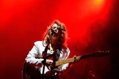 Ζωντανή απόδοση ζωνών της Anna Calvi στο φεστιβάλ Bime Στοκ φωτογραφία με δικαίωμα ελεύθερης χρήσης