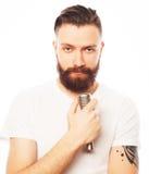 ζωντανός τραγουδιστής οργής μουσικής μικροφώνων ατόμων έννοιας Στοκ Εικόνα