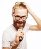 ζωντανός τραγουδιστής οργής μουσικής μικροφώνων ατόμων έννοιας Στοκ Εικόνες