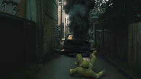 Ζωτικότητα ενός πυροσβέστη που ρίχνεται προς τα πίσω από μια έκρηξη απεικόνιση αποθεμάτων