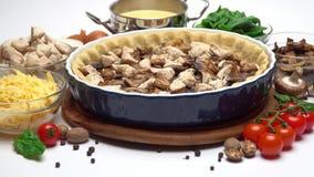 Ζύμη κουλουρακιών για το πίτα ψησίματος ξινό και που συμπληρώνει τη μορφή ψησίματος απόθεμα βίντεο