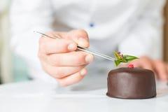 Ζύμη με ένα κέικ Στοκ Φωτογραφία