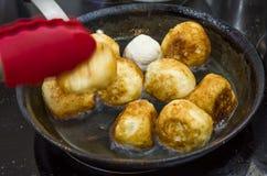 Ζύμη, τρόφιμα, γλυκό, doughnut, κουλούρι, προετοιμασία Στοκ φωτογραφία με δικαίωμα ελεύθερης χρήσης