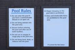 Ζώα λιμνών Rules Signs Do Not Bring στην περιοχή λιμνών Στοκ φωτογραφία με δικαίωμα ελεύθερης χρήσης