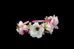 Ζώνη που διακοσμείται επικεφαλής με τα λουλούδια Στοκ Εικόνες