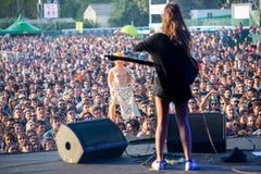 Ζώνη Hinds στη συναυλία στο φεστιβάλ Dcode Στοκ Φωτογραφίες