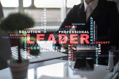 Ηγέτης Ηγεσία Teambuilding χρυσή ιδιοκτησία βασικών πλήκτρων επιχειρησιακής έννοιας που φθάνει στον ουρανό Σύννεφο λέξεων Στοκ Εικόνα