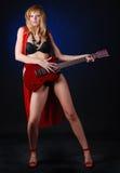ηλεκτρική γυναίκα κιθάρων Στοκ εικόνα με δικαίωμα ελεύθερης χρήσης