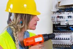 ηλεκτρική ενέργεια ηλεκτρολόγων που μετρά την εργασία Στοκ φωτογραφίες με δικαίωμα ελεύθερης χρήσης