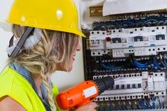 ηλεκτρική ενέργεια ηλεκτρολόγων που μετρά την εργασία Στοκ Εικόνες