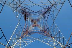 Ηλεκτρική κατασκευή πύργων χάλυβα στοκ εικόνα