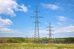 ηλεκτρική μετάδοση γραμμών Στοκ εικόνα με δικαίωμα ελεύθερης χρήσης