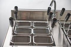 Ηλεκτρική σόμπα ατμού Βιομηχανικός εξοπλισμός κουζινών catering στοκ φωτογραφίες