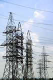 ηλεκτρική υψηλή τάση γραμμών Στοκ Φωτογραφία