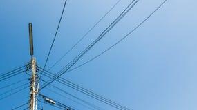 Ηλεκτρικοί πόλοι στην Ταϊλάνδη στοκ εικόνες