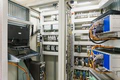 Ηλεκτρικός διακόπτης επιτροπής ή εξοπλισμού του ηλεκτρικών δωματίου/του διακόπτη Στοκ φωτογραφία με δικαίωμα ελεύθερης χρήσης