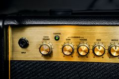 Ηλεκτρικός ενισχυτής κιθάρων στιγμιαίος βράχος τυπωμένων υλών φωτογραφιών μουσικής ανασκόπησης στοκ φωτογραφία με δικαίωμα ελεύθερης χρήσης