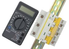 Ηλεκτρικός μορφωματικός διακόπτης και ψηφιακό πολύμετρο Στοκ εικόνα με δικαίωμα ελεύθερης χρήσης