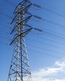 ηλεκτρικός ουρανός ισχύος γραμμών Στοκ φωτογραφία με δικαίωμα ελεύθερης χρήσης