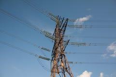 ηλεκτρικός πύργος μονωτώ&nu Στοκ φωτογραφία με δικαίωμα ελεύθερης χρήσης
