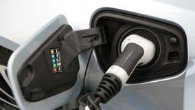 Ηλεκτρικό αυτοκίνητο που χρεώνεται απόθεμα βίντεο