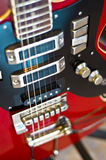ηλεκτρικό κόκκινο κιθάρω& Στοκ φωτογραφίες με δικαίωμα ελεύθερης χρήσης
