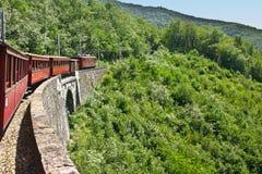 Ηλεκτρικό κόκκινο παλαιό τραίνο Στοκ εικόνες με δικαίωμα ελεύθερης χρήσης
