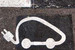 ηλεκτρικό πρατήριο καυσίμων αυτοκινήτων Στοκ Φωτογραφίες
