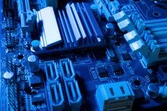 Ηλεκτρονικά κυκλώματα στη φουτουριστική έννοια τεχνολογίας στοκ εικόνες με δικαίωμα ελεύθερης χρήσης