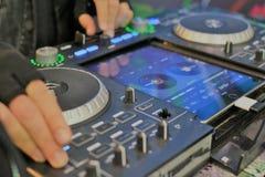Ηλεκτρονικός αναμίκτης μουσικής techno dupstep στοκ φωτογραφίες