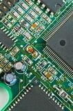 ηλεκτρονικό πράσινο PCB κινηματογραφήσεων σε πρώτο πλάνο κυκλωμάτων χαρτονιών Στοκ Φωτογραφίες