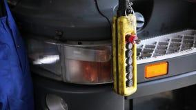 Ηλεκτρονικό στοιχείο ελέγχου σκηνή Τηλεχειρισμός στο πρατήριο βενζίνης φιλμ μικρού μήκους