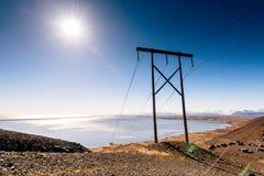 Ηλεκτροφόρο καλώδιο στην Ισλανδία electricity στοκ φωτογραφία με δικαίωμα ελεύθερης χρήσης