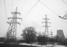 Ηλεκτροφόρο καλώδιο, χειμερινή άποψη στοκ εικόνες με δικαίωμα ελεύθερης χρήσης