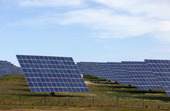 ηλιακός σταθμός ισχύος ε& Στοκ εικόνες με δικαίωμα ελεύθερης χρήσης