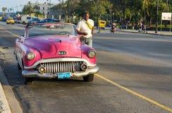 Ηλικίας αμερικανικό αυτοκίνητο στην οδό στην Αβάνα Στοκ φωτογραφία με δικαίωμα ελεύθερης χρήσης