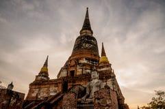 Ηλικίας αρχαιολογικά περιοχή και άγαλμα AYUTTHAYA Ταϊλάνδη του Βούδα Στοκ φωτογραφίες με δικαίωμα ελεύθερης χρήσης