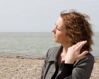 ηλικίας όμορφη απομονωμένη μέση λευκή γυναίκα πορτρέτου στοκ φωτογραφία