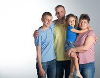 Ηλικιωμένη γυναίκα με το γιο και τα εγγόνια της στοκ εικόνες με δικαίωμα ελεύθερης χρήσης