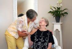ηλικιωμένη γυναίκα μητέρων