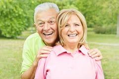 ηλικιωμένος ευτυχής ζε&u Στοκ Εικόνες