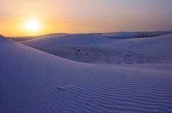 ηλιοβασίλεμα άμμου αμμόλοφων Στοκ εικόνα με δικαίωμα ελεύθερης χρήσης